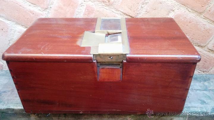 Antigüedades: Registradora de madera y bronce - Foto 5 - 47917186