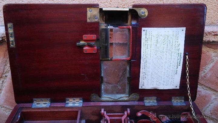 Antigüedades: Registradora de madera y bronce - Foto 9 - 47917186
