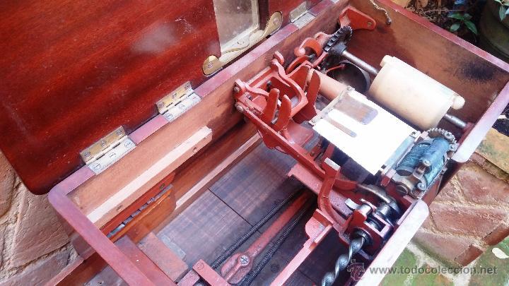 Antigüedades: Registradora de madera y bronce - Foto 10 - 47917186