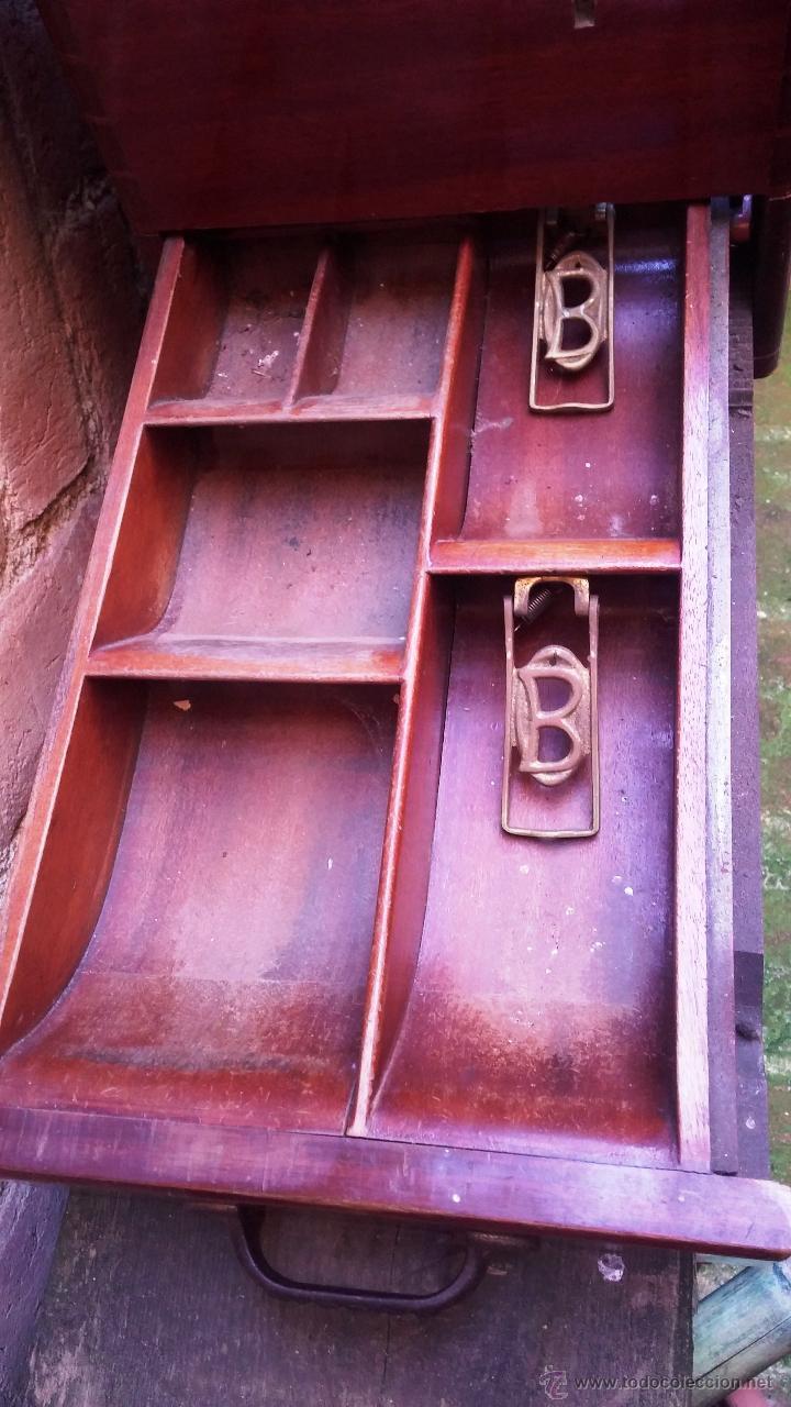 Antigüedades: Registradora de madera y bronce - Foto 11 - 47917186