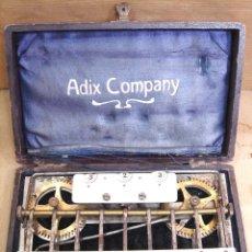 Antigüedades: MUY ANTIGUA SUMADORA - ADIX COMPANY - MANNHEIM ALEMANIA 1903 - CON ESTUCHE ORIGINAL - CALCULADORA. Lote 47956381