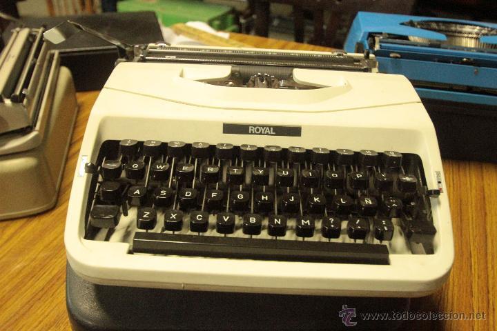 MAQUINA DE ESCRIBIR ROYAL TA 202, PORTATIL, CON FUNDA. RARA (Antigüedades - Técnicas - Máquinas de Escribir Antiguas - Royal)