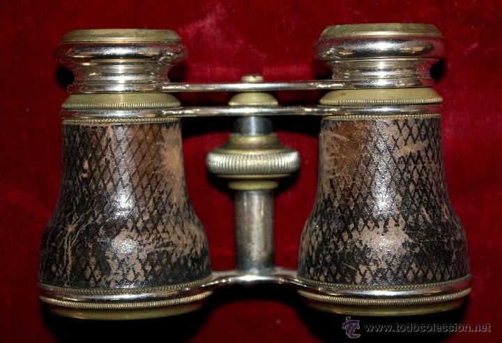BINOCULARES DE TEATRO DE FINALES DEL SIGLO XIX EN BRONCE Y PIEL DE COCODRILO CON SU ESTUCHE ORIGINAL (Antigüedades - Técnicas - Instrumentos Ópticos - Binoculares Antiguos)