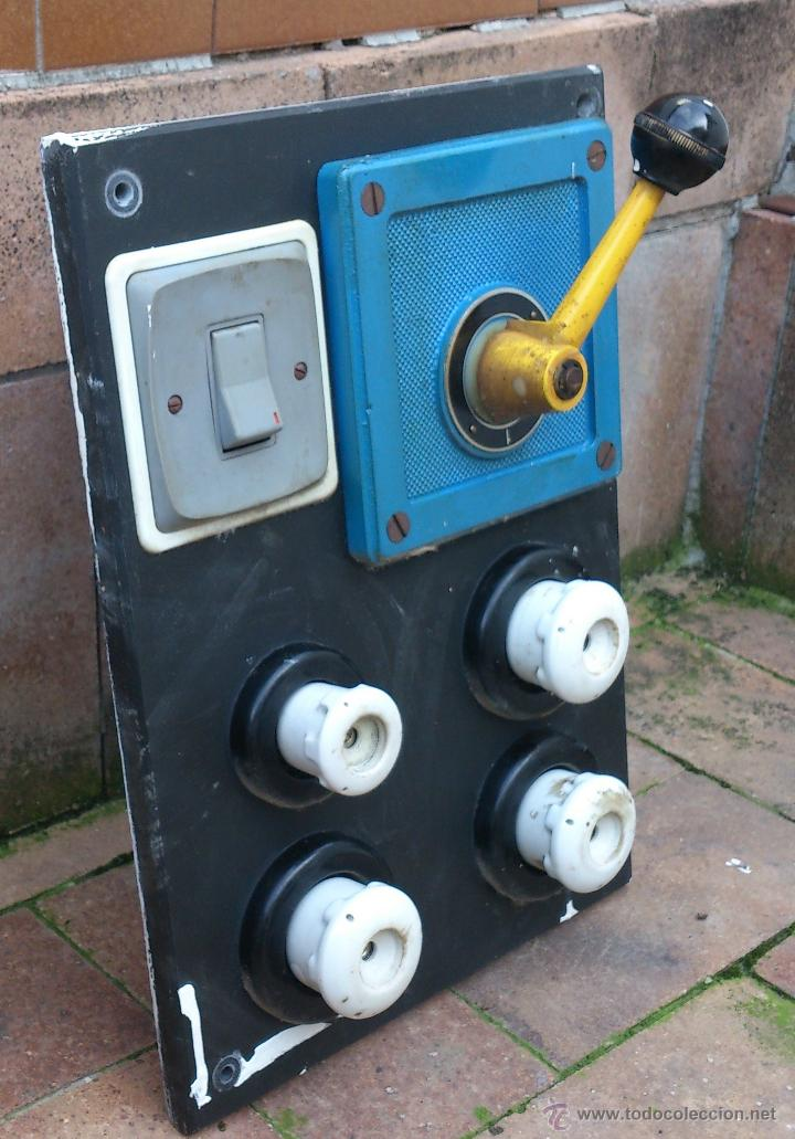 Antigüedades: antiguo cuadro electrico entrada vivienda 4 plomos - manivela - Foto 2 - 48001233