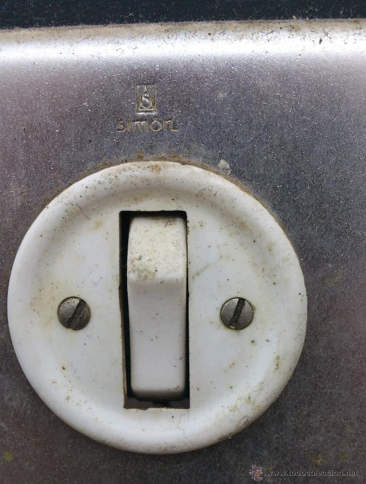 Antigüedades: antiguo cuadro electrico para enchufes simon - manivela - Foto 2 - 48001512