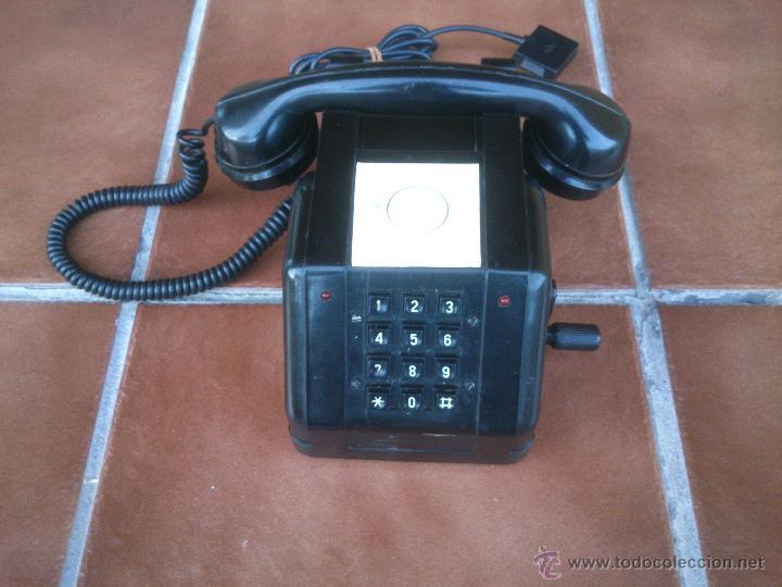 TELÉFONO ANTIGUO DE BAQUELITA CON MANIVELA. (Antigüedades - Técnicas - Teléfonos Antiguos)