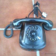 Teléfonos: TELÉFONO ANTIGUO DE BAQUELITA 1965.. Lote 48007944