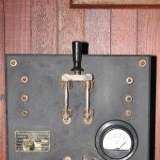 Antigüedades: ANTIGUO VOLTÍMETRO AMPLIFICADOR REDUCTOR. Lote 48018129
