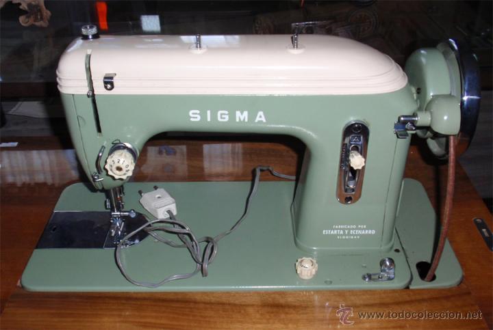 Antigüedades: Maquina de coser Sigma con mueble. Muy buen estado. Funciona. Estarta y ecenarro. - Foto 2 - 48097289