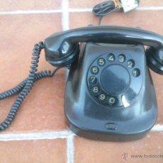 Teléfonos: TELÉFONO ANTIGUO DE BAQUELITA 1962.. Lote 48166878