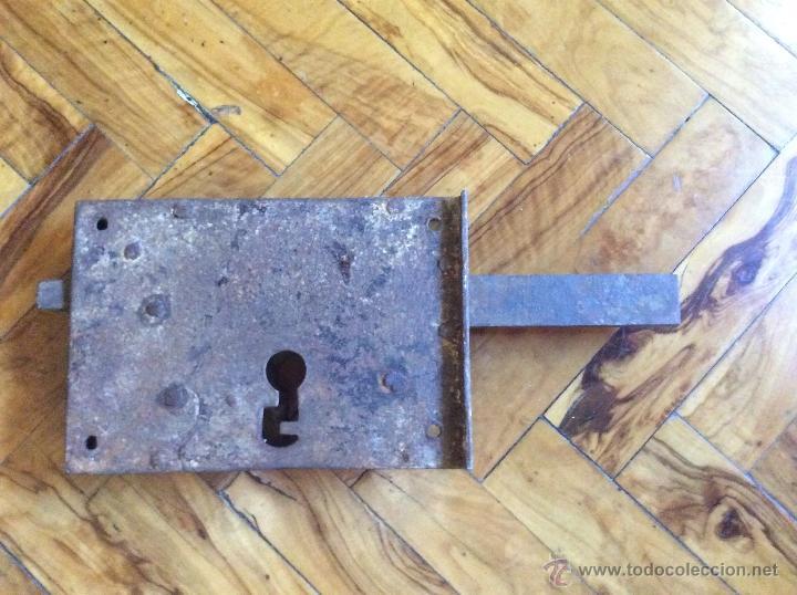 CERRADURA ANTIGUA 20CMX14CM. (Antigüedades - Técnicas - Cerrajería y Forja - Cerraduras Antiguas)