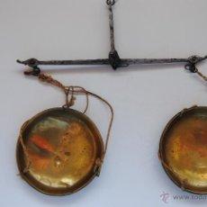 Antigüedades: BALANZA DE MANO DE 17 CM DE ANCHO . Lote 48215025