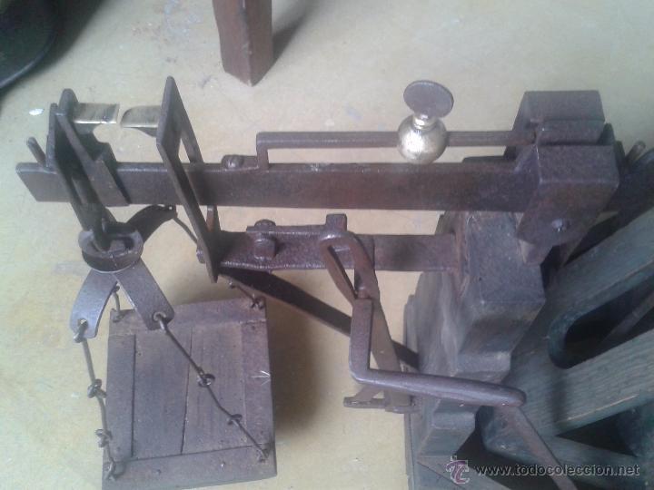 ANTIGUA BASCULA DE MUSEO- RESTARADA (Antigüedades - Técnicas - Medidas de Peso - Básculas Antiguas)