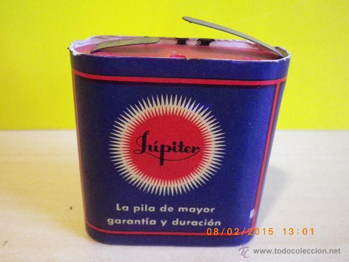 Antigüedades: ANTIGUA PILA DE PETACA JÚPITER Nº4 ORIGINAL DE 4,5 VOLTIOS .PVP ORIGINAL 12 PTAS. JUPITER BATTERY - Foto 2 - 48222163