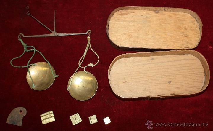 ANTIGUA BALANZA DE PRECISION, PARA CAMBISTAS DE MONEDA DE ORO Y PLATA. SIGLO XVIII (Antigüedades - Técnicas - Medidas de Peso - Balanzas Antiguas)