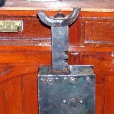 Antigüedades: TREMENDO GATO FERROVIARIO, TREN, CASI UN METRO DE ALTURA, ENVIO INCLUIDO. Lote 48378436
