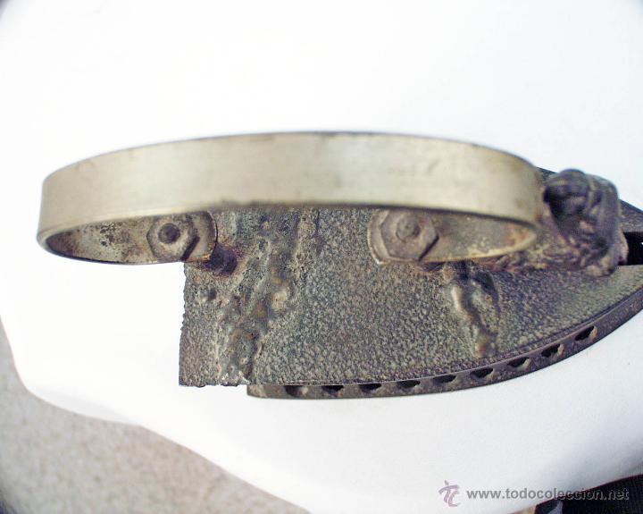 Antigüedades: PLANCHA DE HIERRO FUNDIDO DEL GALLO - Foto 2 - 48486160
