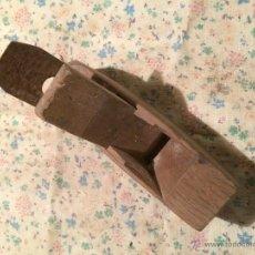 Antigüedades: ANTIGUO RIBOT/ CEPILLO/ MAQUINA PARA PERFILAR MADERA DE CARPINTERO. Lote 48563690