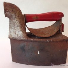 Antigüedades: PLANCHA ANTIGUA DE CARBON SIN ROTURAS POR TEMPERATURA Y DESGASTE. Lote 48597444