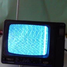 """Antigüedades: TEVISOR PORTATIL EN BLANCO Y NEGRO DE 5"""" ROADSTAR AUDIO-VIDEO TV-400N PORTABLE HOME+CAR TELEVISION. Lote 48657625"""