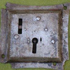 Antigüedades: CERRADURA ANTIGUA DE ARCON, EN HIERRO FORJADO - SIGLO XVII - XVIII.. Lote 48690651