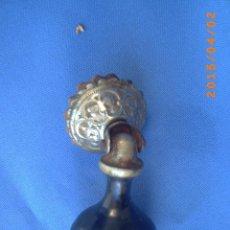Antigüedades: ANTIGUO Y BELLO TIRADOR EN METAL Y MADERA -. Lote 48727135