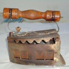 Antigüedades: PLANCHA ANTIGUA DE HIERRO Y MANGO DE MADERA, PERFECT,Nº 107. Lote 48740244