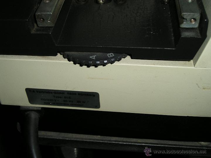 Antigüedades: MAQUINA DE ESCRIBIR ELECTRICA TRIUMPH Y MESA OFICINA METALICA INVOLCA - Foto 10 - 37755851