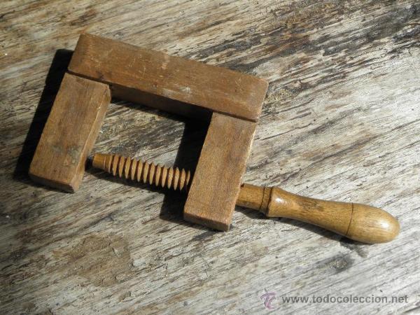Carpintero de madera simple sierra router bosch ra de for Carpintero de madera