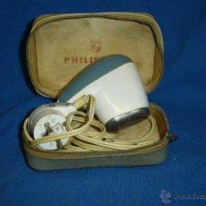 Antigüedades: -ANTÍGUA MAQUINILLA DE AFEITAR PHILIPS MDLO. SC7910G CON CAMBIO VOLTAJE EN ENCHUFE - FUNCIONA. Lote 48760537