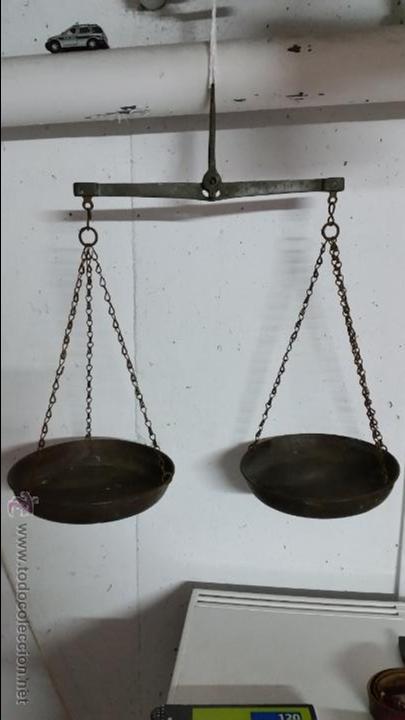 BALANZA MUY ANTIGUA DE BRONCE CON MULTIPLES SELLOS,SIGLO XVIII (Antigüedades - Técnicas - Medidas de Peso Antiguas - Otras)