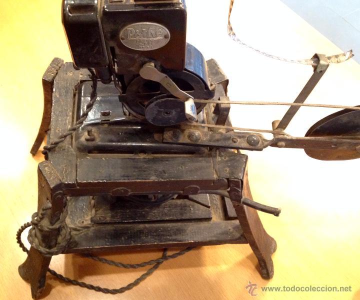 Antigüedades: PROYECTOR PATHE KID AÑOS 1910/1920 - 9.5mm - Foto 6 - 48872207