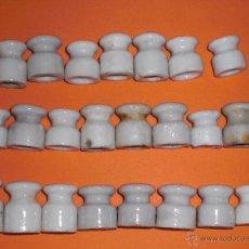 Antigüedades: LOTE 23 PORCELANAS DE PARED PARA CABLE ELÉCTRICO. Lote 48965635