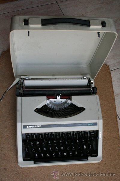 MÁQUINA DE ESCRIBIR SILVER REED. CON SU MALETA ORIGINAL. (Antigüedades - Técnicas - Máquinas de Escribir Antiguas - Otras)