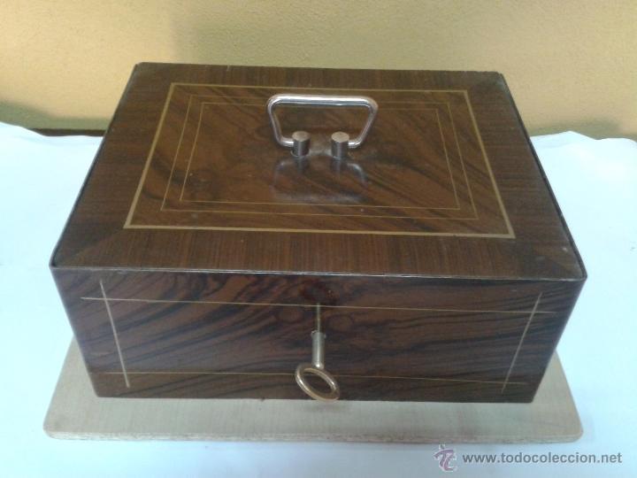 CAJA DE CAUDALES AÑOS 50 (Antigüedades - Técnicas - Aparatos de Cálculo - Cajas Registradoras Antiguas)