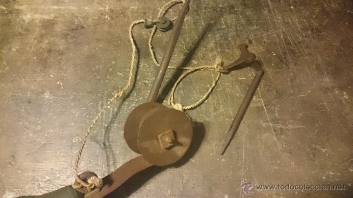 Antigüedades: TIMBRE O LLAMADOR ANTIGUO EN FORJA CON CAMPANA DE BRONCE COMPLETO - Foto 3 - 49075175