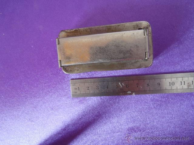 Antigüedades: Lote: Jeringa de cristal aksala, caja metal para jeringa y hornillo para esterizar, aguja / s - Foto 7 - 49187095