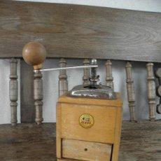 Antigüedades: MOLINILLO DE CAFE ANTIGUO - MARCA MEFA - MADERA Y METAL. Lote 49364911