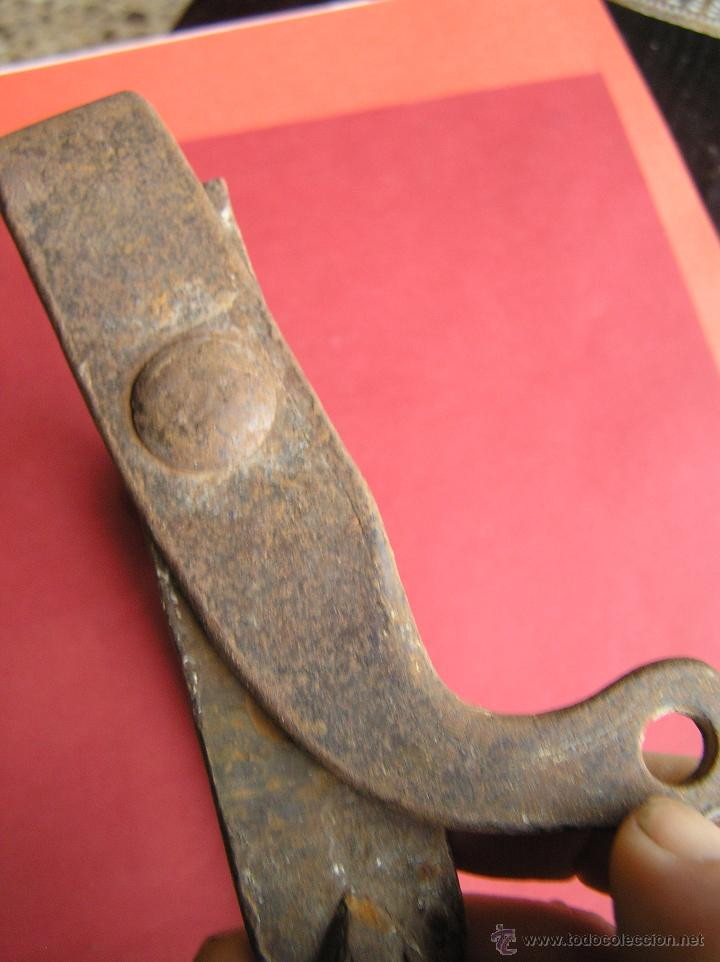 Antigüedades: MOSQUETÓN O GRILLETE ENORME. HIERRO A LA FRAGUA . SIGLO XVIII. - Foto 10 - 49898172