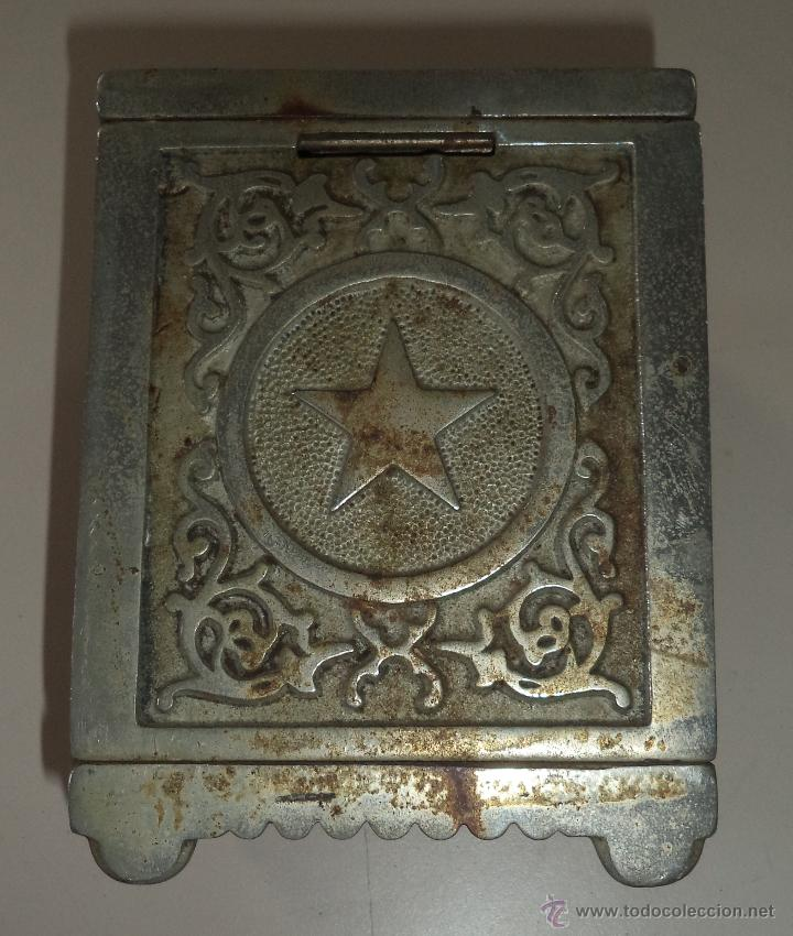 Antigüedades: ANTIGUA HUCHA. CAJA FUERTE. HIERRO DECORADA EN RELIEVE. SECURITY BANK. VER FOTOS - Foto 6 - 49441999