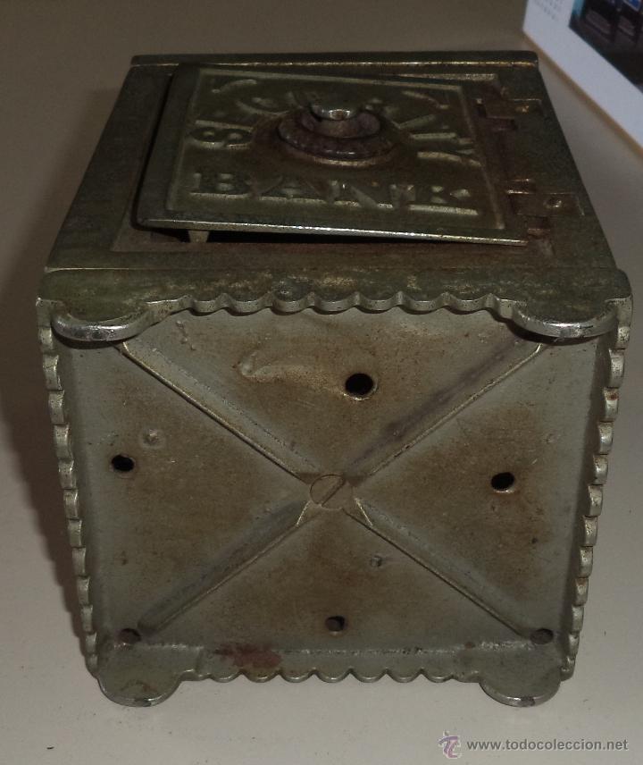 Antigüedades: ANTIGUA HUCHA. CAJA FUERTE. HIERRO DECORADA EN RELIEVE. SECURITY BANK. VER FOTOS - Foto 8 - 49441999