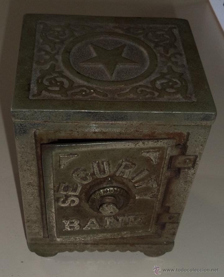 Antigüedades: ANTIGUA HUCHA. CAJA FUERTE. HIERRO DECORADA EN RELIEVE. SECURITY BANK. VER FOTOS - Foto 9 - 49441999