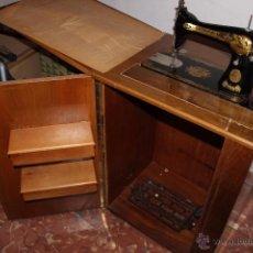 Antigüedades: MÁQUINA DE COSER SINGER. Lote 49452496