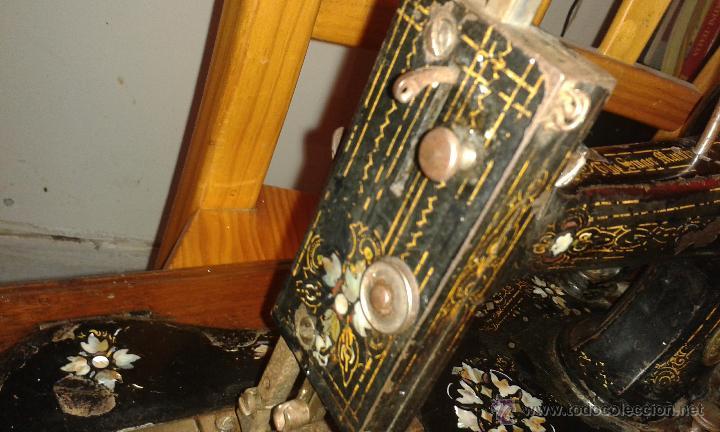 Antigüedades: Maquina coser SINGER DE VIOLIN CON INCRUSTACIONES DE NACAR - Foto 6 - 71738971