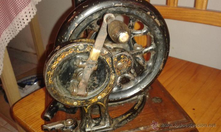 Antigüedades: Maquina coser SINGER DE VIOLIN CON INCRUSTACIONES DE NACAR - Foto 8 - 71738971
