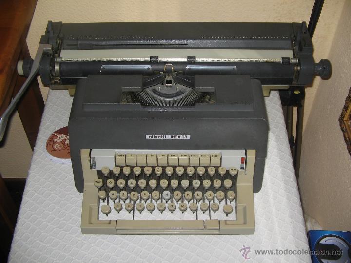Antigüedades: Máquina escribir Olivetti Linea 98 Carro Largo - Foto 2 - 49514908
