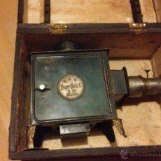 Antigüedades: ANTIGUO PROYECTOR ALEMÁN LINTERNA MAGICA.PERFEKT J S EN CAJA ORIGINAL. Lote 49550909