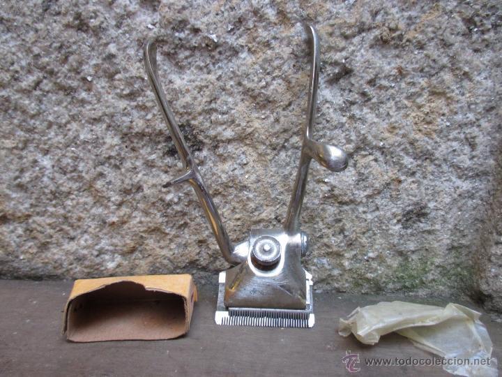 CORTAPELOS MANUAL MARCA ELCORO SIN USO 4 CEROS, ANCHO DE CORTE 42MM 35 PUAS + INFO (Antigüedades - Técnicas - Barbería - Varios Barbería Antiguas)