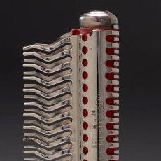 Antigüedades: ANTIGUO Y RARISIMO DISPOSITIVO PSEUDO MEDICO ELECTRICO - WHITE'S ELECTRIC COMB INGLATERRA 1.920. Lote 49693930