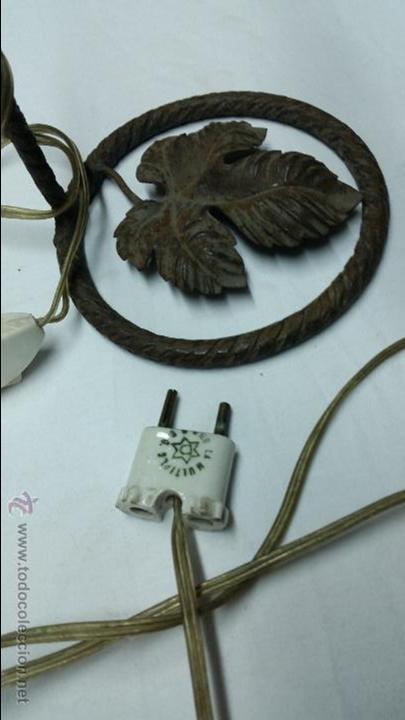 Antigüedades: LAMPARA VINTAGE COLGANTE,CON BASE DE FORJA,AÑOS 40-50 APROX - Foto 4 - 49771535